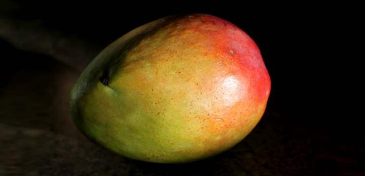 Манго один плод